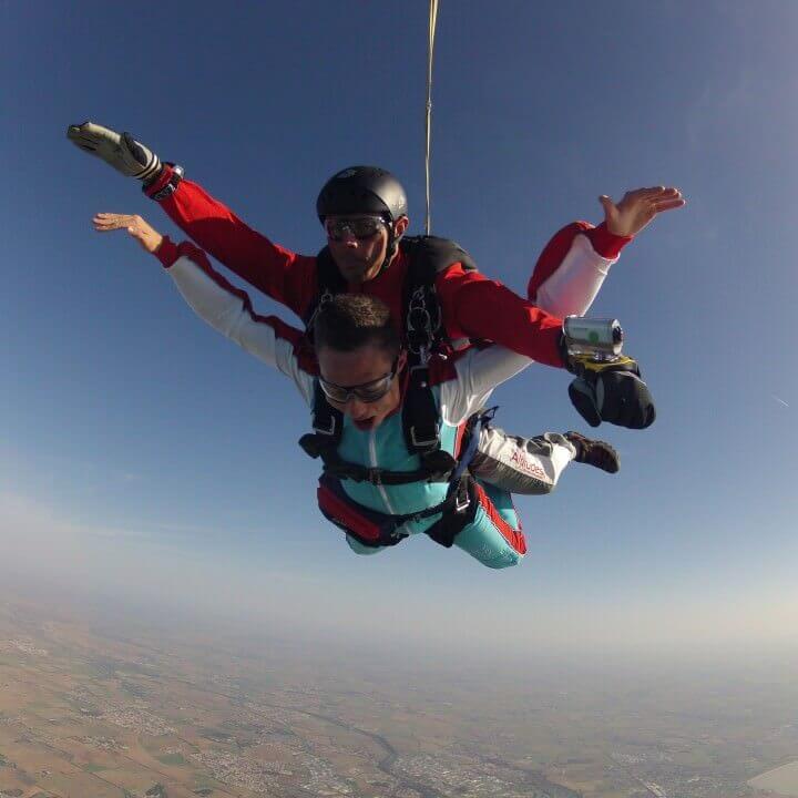 Altitude Parachutisme - Offrez un saut en parachute tandem